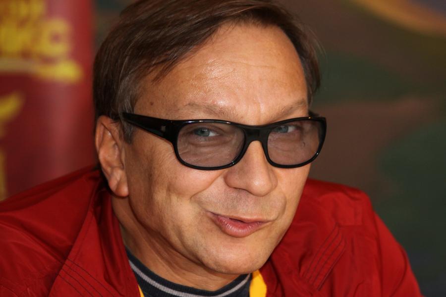 Игорь Угольников актер